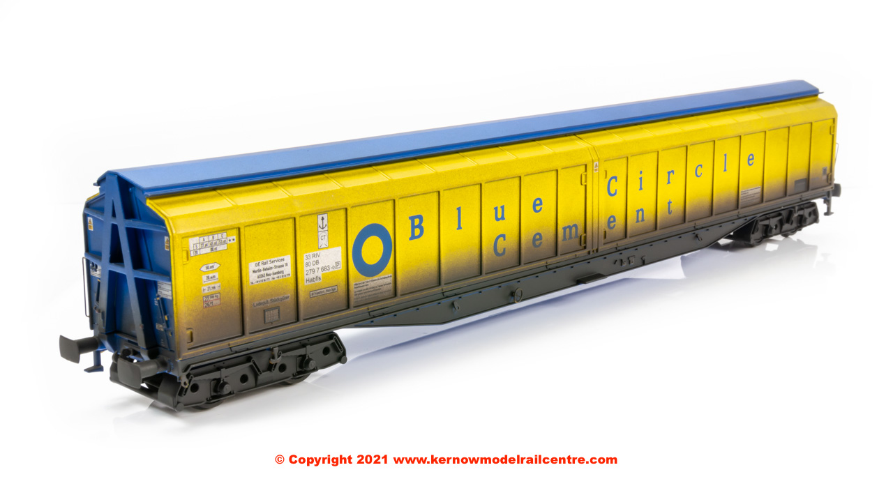 5025 Heljan IWB Cargowaggon in Blue Circle Cement Yellow livery Image